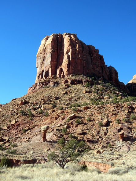 2011-11-24 - 02 - Buttress SW of Camp.jpg