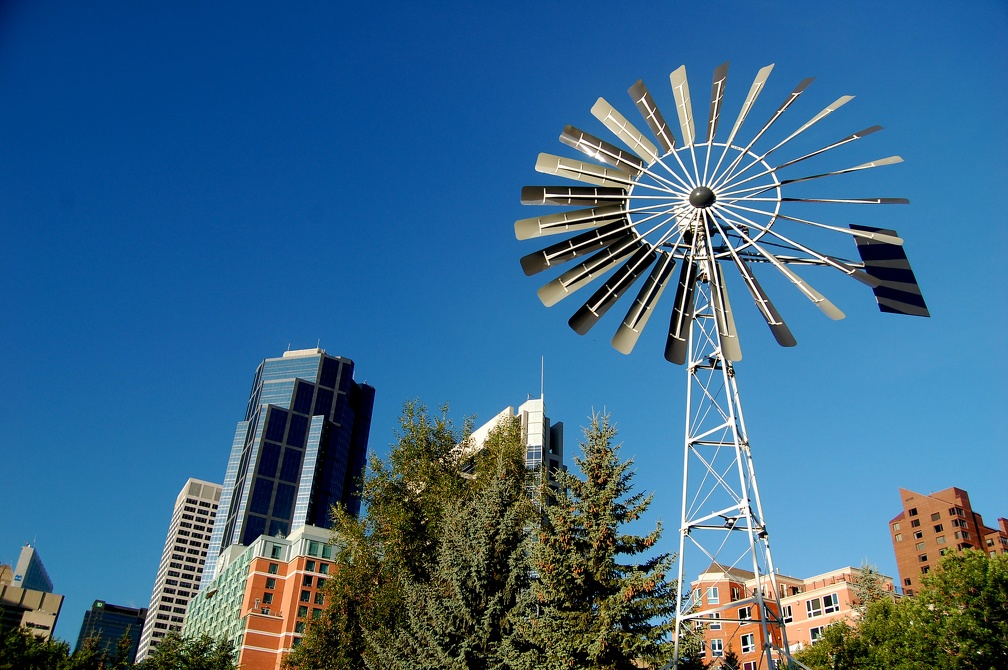 2008-07-29 - 05 - Downtown Calgary   Windmill